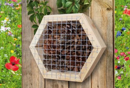 insektenhotel bienenhotel nisthilfe f r marienk fer. Black Bedroom Furniture Sets. Home Design Ideas